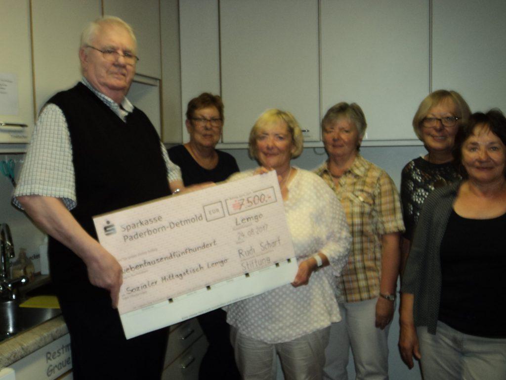 Spende der Rudi Scharf Stiftung